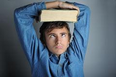 livro-pesado-6671502.jpg