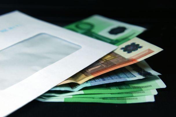 envelope-com-dinheiro-01